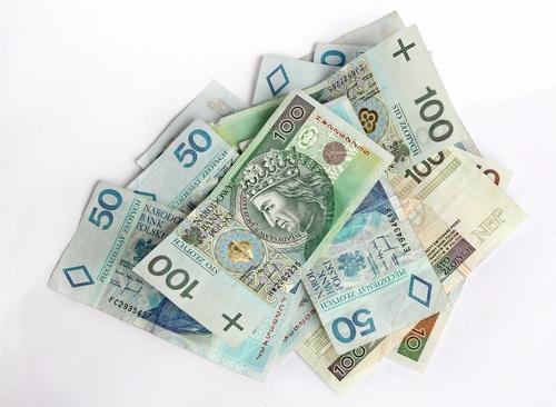 Pieniądze złotówki bankoty - szybkie pożyczki i ranking pożyczek